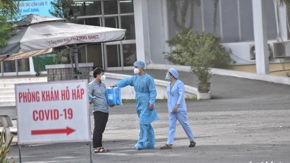 Số ca nhiễm được phát hiện tại BV Bệnh Nhiệt đới tăng chóng mặt, từ 3 ca chỉ điểm đã lên tới 53 ca (Ảnh: Duyên Phan)