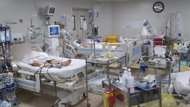 Bệnh nhân COVID-19 nặng được chăm sóc trong khu vực đặc biệt - Ảnh: Sở Y tế