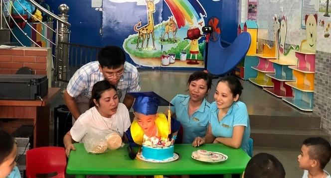 Gia đình và cơ sở giáo dục chuyên biệt đồng hành giúp trẻ hòa nhập.