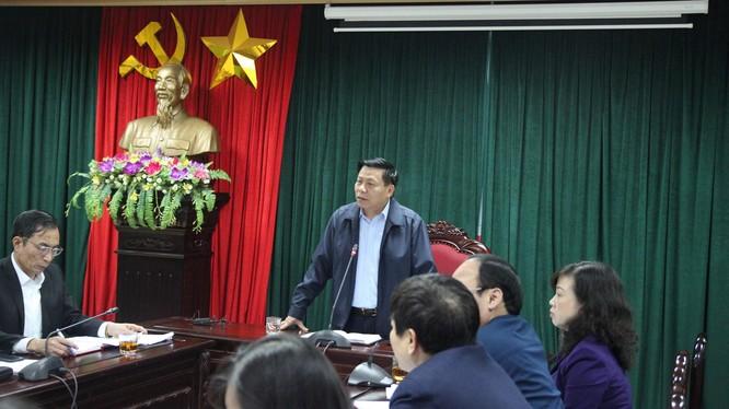 Ông Nguyễn Nhân Chiến - Bí thư Tỉnh ủy Bắc Ninh phát biểu tại buổi họp khẩn chiều 18/3 (Ảnh: Công Phương)