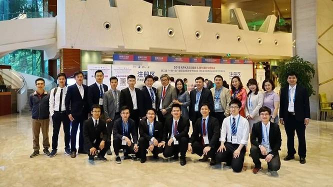 Đoàn chuyên gia của Việt Nam tham dự hội nghị tại Trung Quốc.