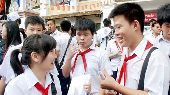 Các em học sinh THCS chuẩn bị thi vào lớp 10 (Ảnh: Tiền Phong)