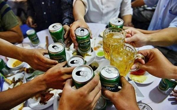 Dự thảo Luật cần kiểm soát sự tiếp cận, từ đó hạn chế người dân tiêu thụ rượu, bia và các chất có cồn.