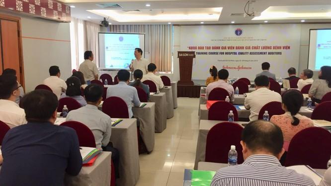 Khóa đào tạo đánh giá viên nhằm chuẩn hóa kiểm định chất lượng bệnh viện tổ chức ngày 25/6.