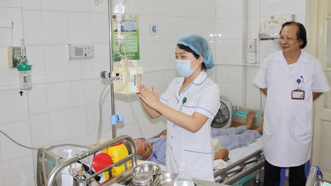 Bệnh nhân được chăm sóc tại Bệnh viện Phổi Trung ương.
