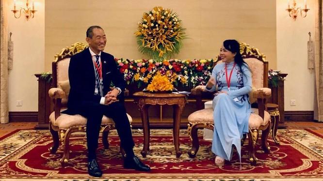 Bộ trưởng Bộ Y tế Nguyễn Thị Kim Tiến làm việc tại Campuchia.