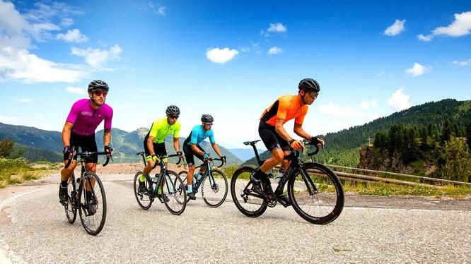 Đạp xe đạp mỗi ngày không chỉ mang lại niềm vui mà còn mang lại lợi ích sức khỏe cho cơ thể.