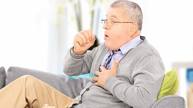 Bệnh nhân mắc phổi tắc nghẽn mạn tính (Ảnh minh họa)