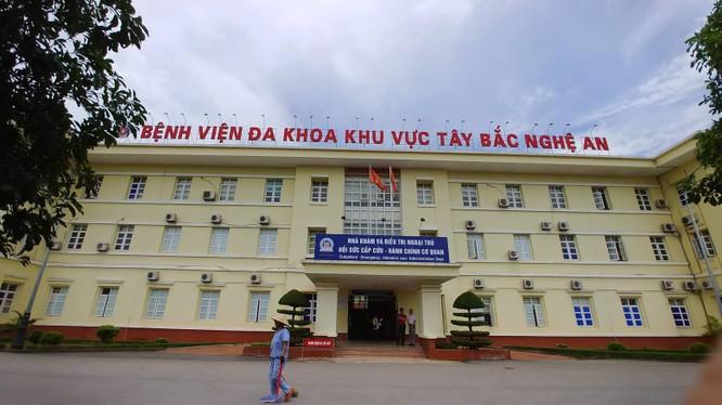 Bệnh viện đa khoa khu vực Tây Bắc Nghệ An, nơi xảy ra vụ việc.
