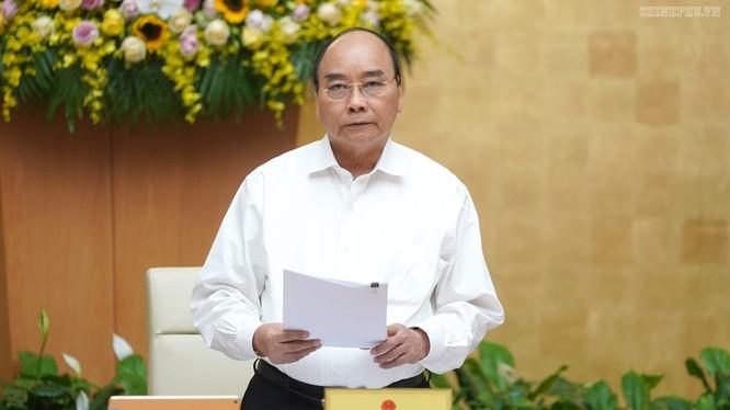 Thủ tướng Nguyễn Xuân Phúc tại phiên họp Chính phủ thường kỳ tháng 10 chiều 5/11 (Ảnh: Chinhphu.vn)