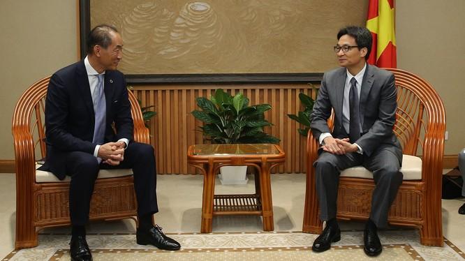 Ông Takeshi Kasai và Phó Thủ tướng Vũ Đức Đam (Ảnh: VGP)