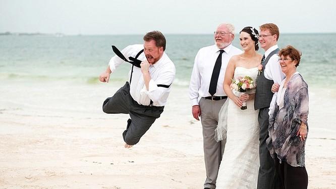 Theo Daily Mail, hàng năm, ISPWP đều tổ chức một cuộc thi nhằm chọn ra những bức hình cưới ấn tượng nhất.