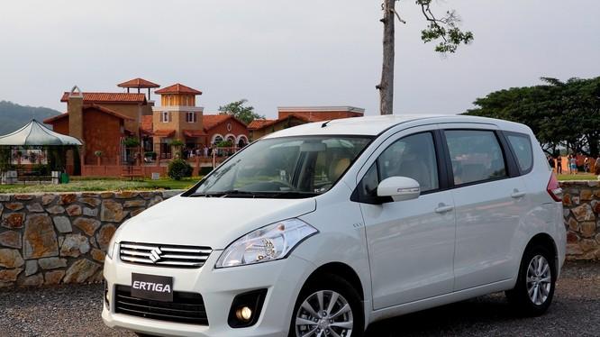 """Điểm mặt 10 mẫu ôtô """"ế ẩm"""" nhất Việt Nam năm 2015"""