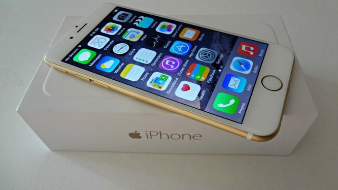 """Video: Phân biệt iPhone """"xịn"""" và iPhone hàng nhái"""