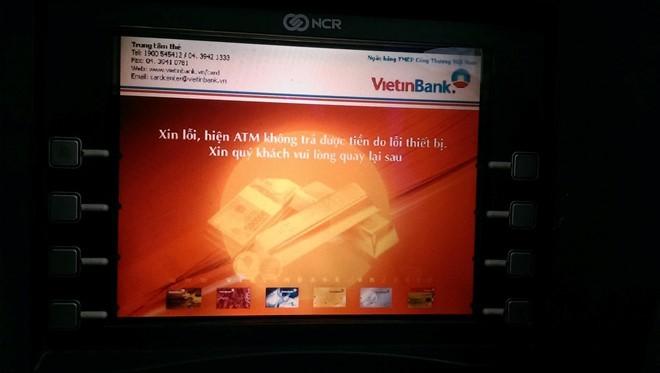 Màn hình máy ATM tại thị trấn Quỳnh Côi (Quỳnh Phụ, Thái Bình) thông báo không trả được tiền do lỗi thiết bị