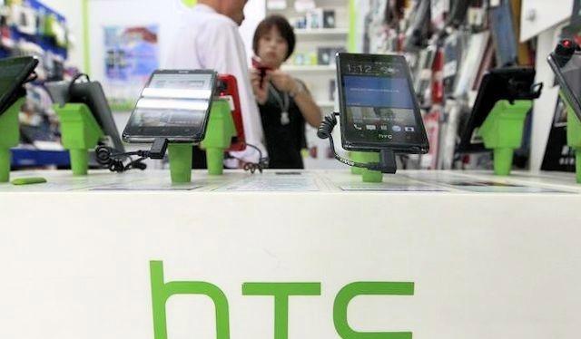 Smartphone Android đang có sự cạnh tranh khốc liệt giữa các nhà sản xuất - Ảnh: Reuters