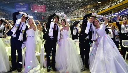 Choáng với đám cưới tập thể 3.000 đôi ở Hàn Quốc
