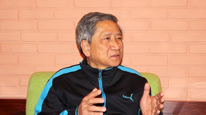 """GS. Nguyễn Minh Thuyết: """"Phải có cơ chế để người dân tự ra ứng cử bình đẳng với người được các tổ chức giới thiệu ra ứng cử""""."""