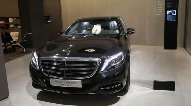 """Cận cảnh """"pháo đài thép"""" Mercedes-Maybach 11,6 tỷ đồng"""