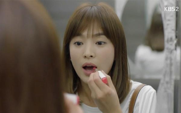 Fan tinh ý phát hiện ra thỏi son nàng bác sĩ Song Hye Kyo sử dụng trong phim thuộc thương hiệu Laneige.