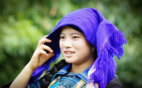 Nét đẹp dịu dàng của cô gái Hà Nhì (Bát Xát).