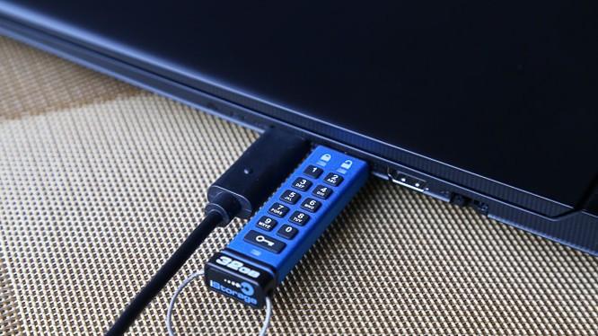 Khủng bố IS đánh mất chiếc USB vô cùng quan trọng