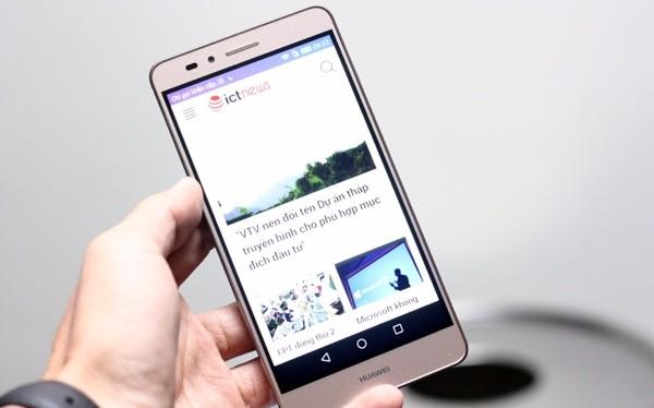 Huawei GR5 có mặt trước khá vuông vức - Ảnh: H.Đ