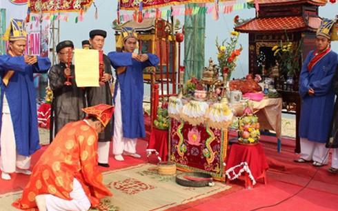 Cầu ngư là lễ hội truyền thống được ngư dân ven biển tổ chức hàng năm, có ý nghĩa tâm linh, mang đậm văn hóa vùng biển.