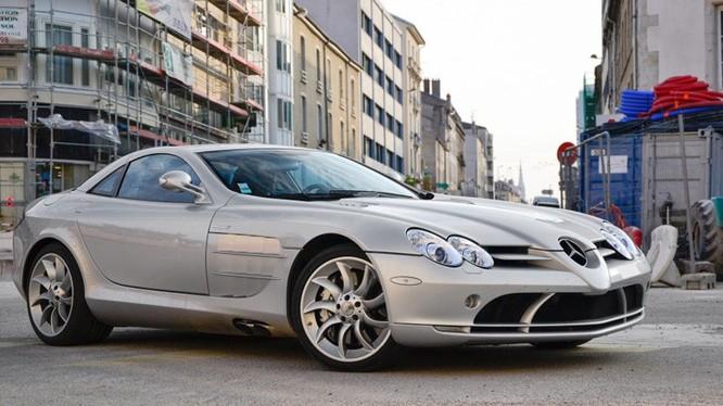 Nữ ca sĩ Beyoncé Knowles đi xe siêu sang Mercedes-Benz SLR trị giá 500.000 USD