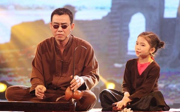 Cô bé hát xẩm Võ Hương Giang đến từ Thái Bình