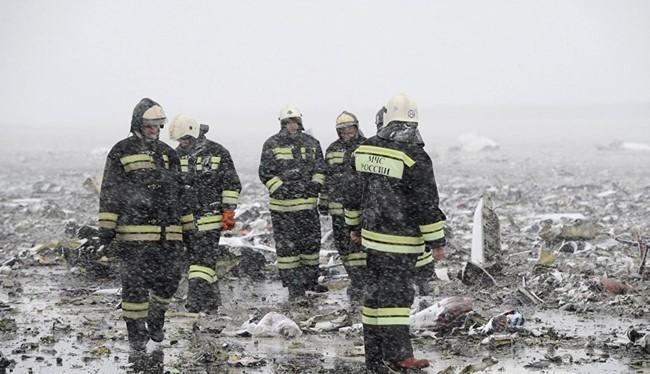 Video: Cận cảnh hiện trường thảm kịch máy bay Dubai rơi tại Nga