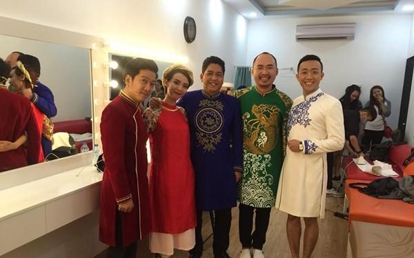 Hoảng hồn những màn kết hợp trang phục chẳng giống ai của sao Việt