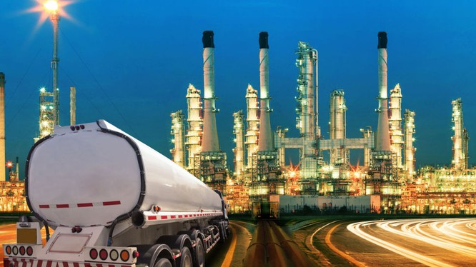 Tiết lộ nguyên nhân khiến giá dầu xuống thấp: Trò bịp toàn cầu