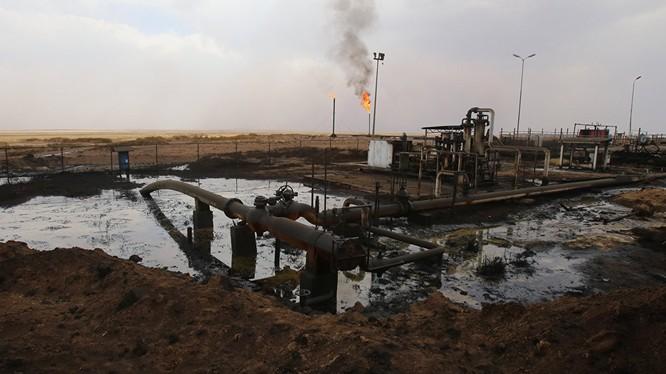 IS xuất dầu mỏ với giá 12 USD một thùng