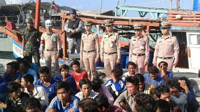 Bộ Tư lệnh Vùng 2 Hải quân Thái Lan công bố hình ảnh các tàu cá Việt Nam bị bắt, và đưa lên mạng xã hội Facebook