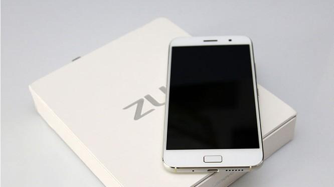 Smartphone Lenovo ZUK Z1 mất giá thảm hại