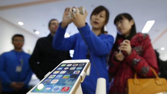 Chuyên gia công nghệ mổ xẻ iPhone 4 inch mới