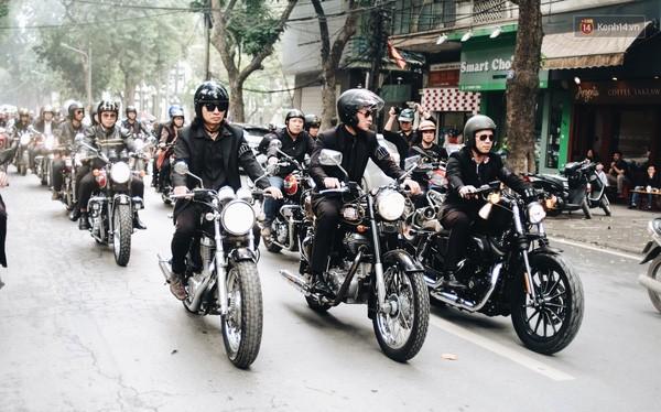 Đoàn xe tiễn đưa Nhạc sỹ Trần Lập về nơi an nghỉ cuối cùng. Nguồn: zing.vn