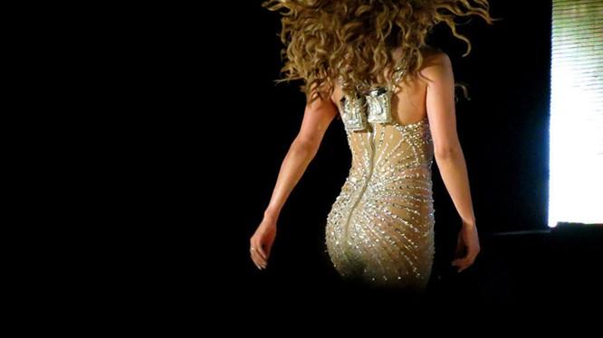 Jennifer Lopez là người phụ nữ gợi cảm nhất mọi thời đại