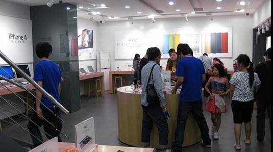 Video: Cửa hàng Apple giả ở Trung Quốc giống thật 100%