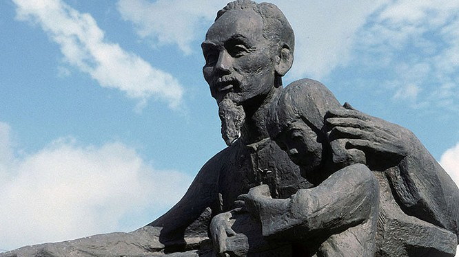 Sẽ có tượng đài Hồ Chí Minh trên quê hương Lenin
