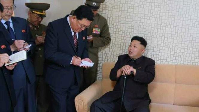 Một điều tra của các chuyên gia về CHDCND Triều Tiên ở Hàn Quốc cho thấy sự ổn định dưới chế độ ông Kim Jong Un thấp hơn so với thời của cha ông là Kim Jong Il - Ảnh: Business Insider