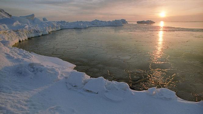 Anh sắp đưa tàu ngầm trở lại Bắc Cực