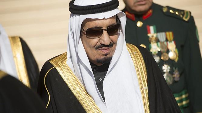 Vua Arập Saudi đến Thổ Nhĩ Kỳ: 500 xe Mercedes và nhà vệ sinh riêng