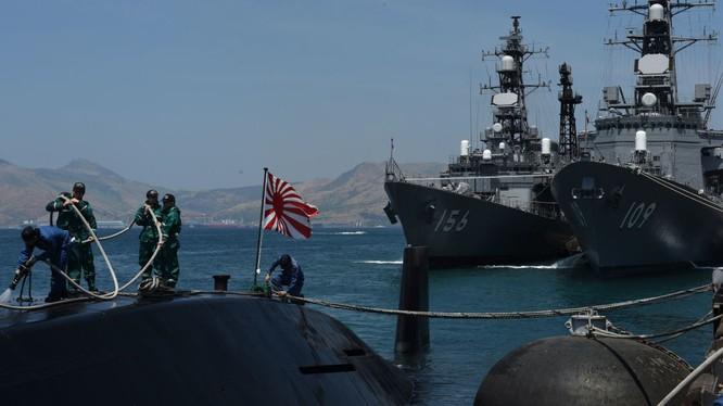 Hai tàu chiến Nhật Bản đến Việt Nam diễn tập