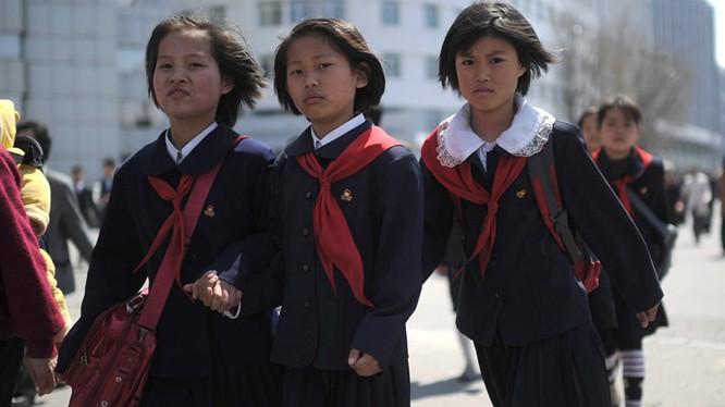Kim Jong-un chuyển gần 2 triệu USD cho các trường Triều Tiên tại Nhật Bản