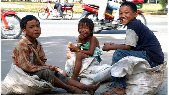 Indonesia: Hơn 90 ngàn trẻ em vạ vật sống trên đường phố