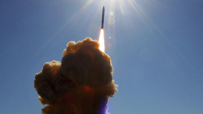 Báo Mỹ: Nga, Mỹ và Trung Quốc bắt đầu chạy đua vũ khí hạt nhân