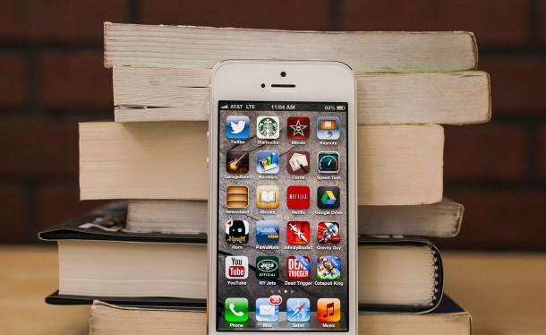 Apple: Nên thay iPhone sau 3 năm
