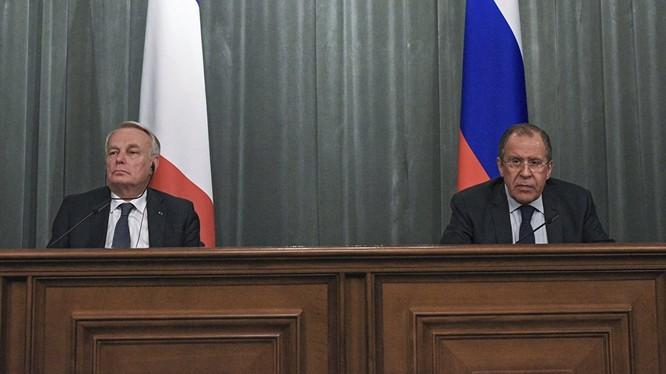 """Pháp lần đầu """"bênh"""" Nga trong xung đột Ukraina"""